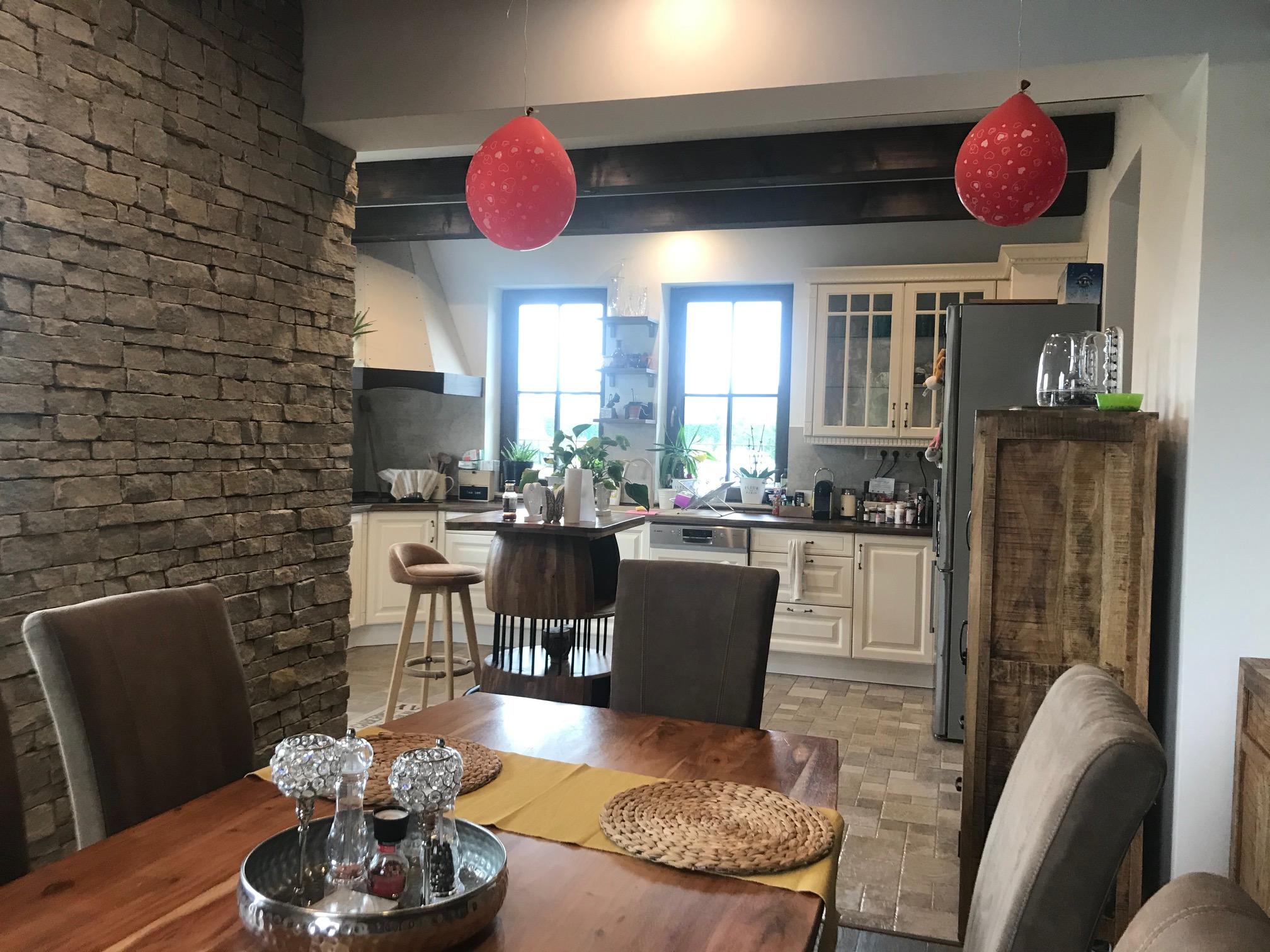 Családi-ház-beltér-konyha-étkező-2