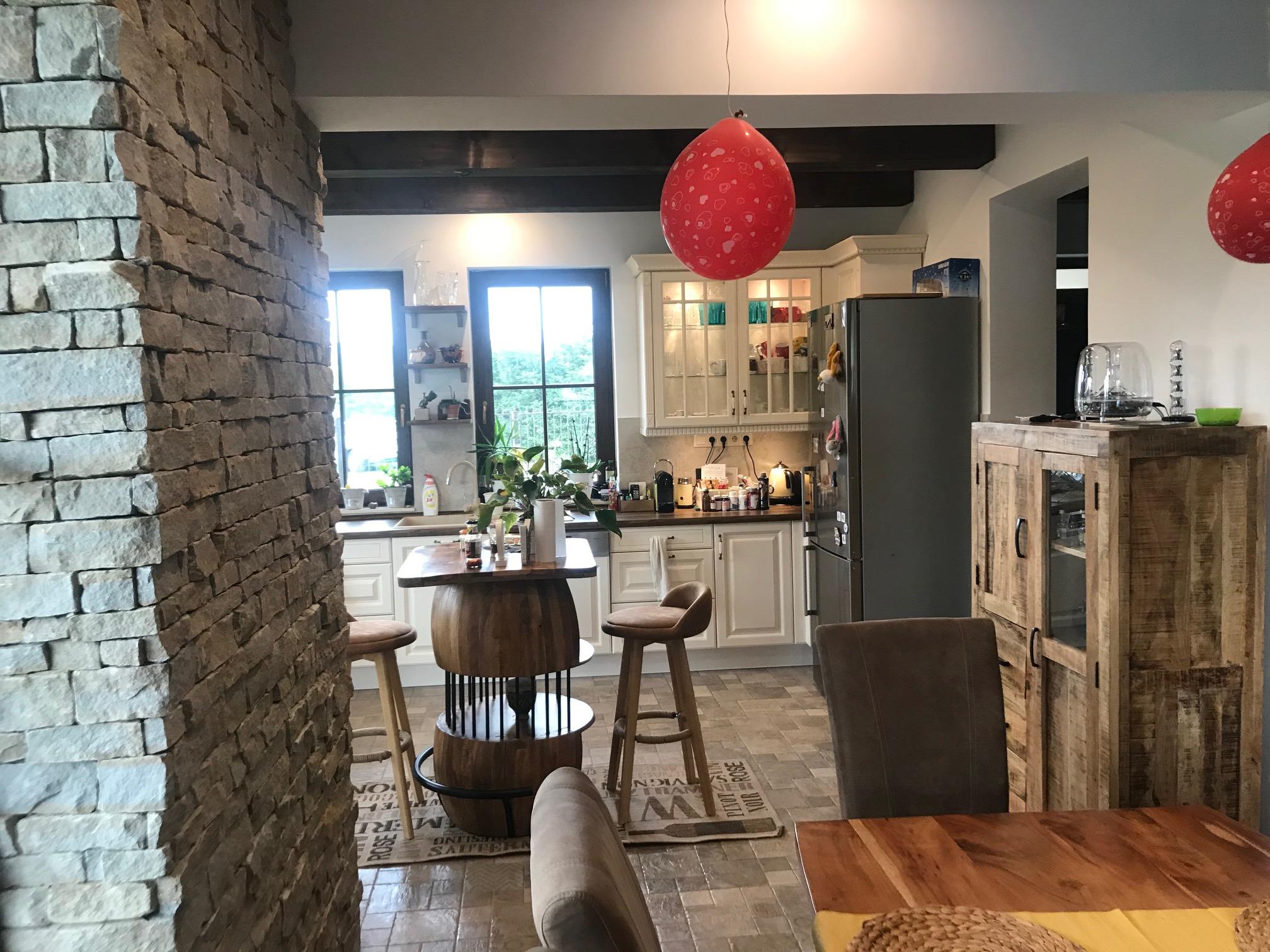 Családi-ház-beltér-konyha-étkező-3